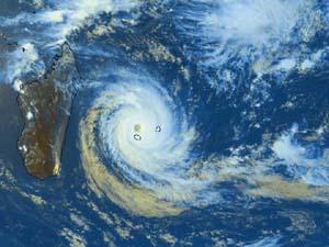 Tromelin, La Route des cyclones